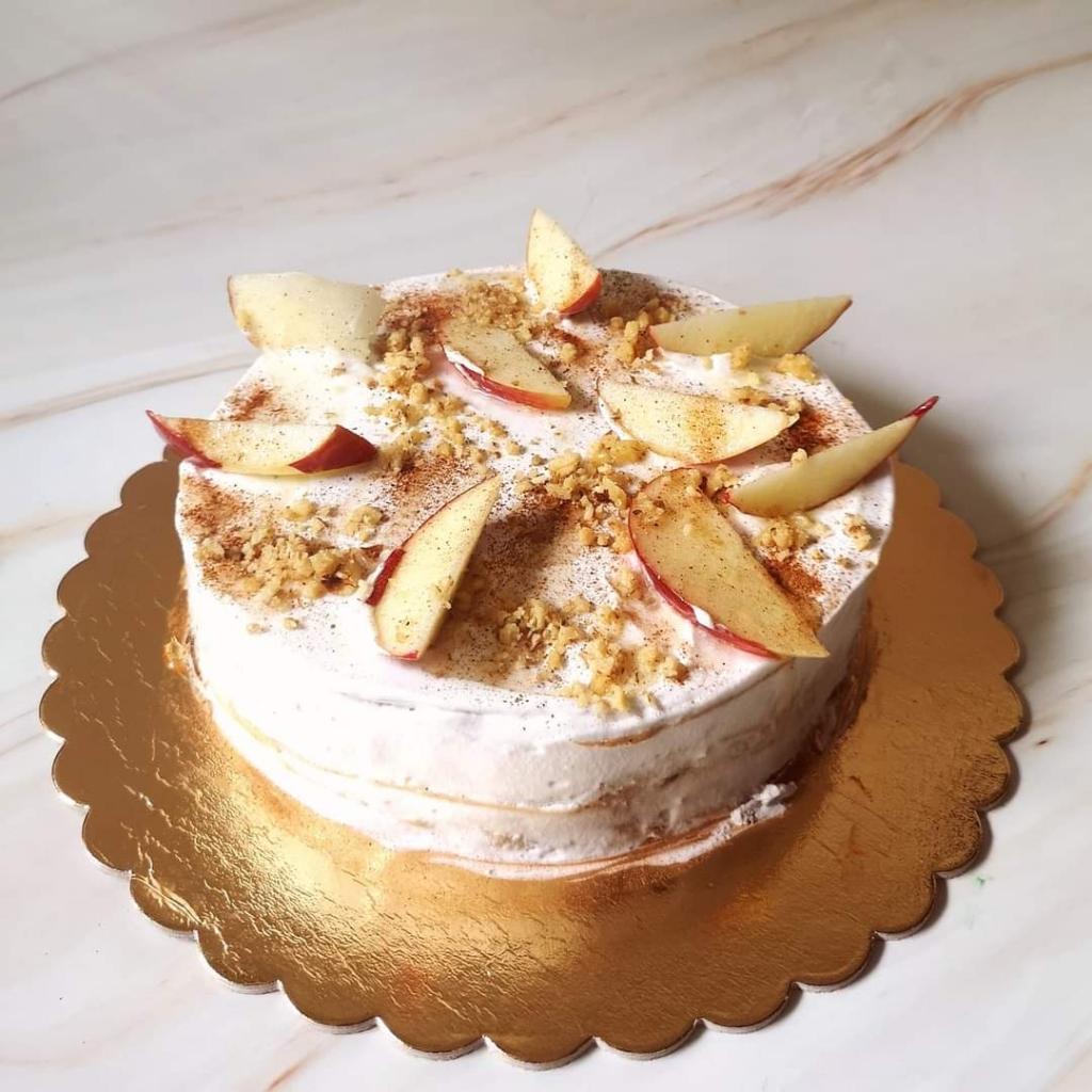 Almás-pekándiós torta